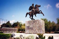 statue alexander