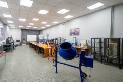 LABS_AND_WORKSHOPS_13
