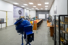 LABS_AND_WORKSHOPS_14